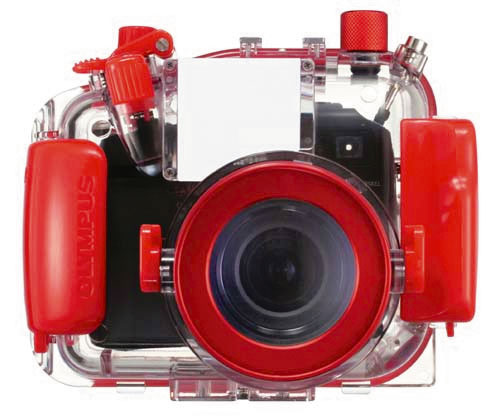 Figura 14: le custodie delle fotocamere compatte, non essendo queste dotate di obiettivi supergrandangolari, non necessitano di un oblò correttore. Per la precisione, i vantaggi di un oblò correttore non sarebbero così evidenti da giustificarne il costo