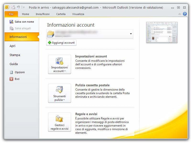 Figura 1: la vista Backstage di Outlook alla sezione Informazioni